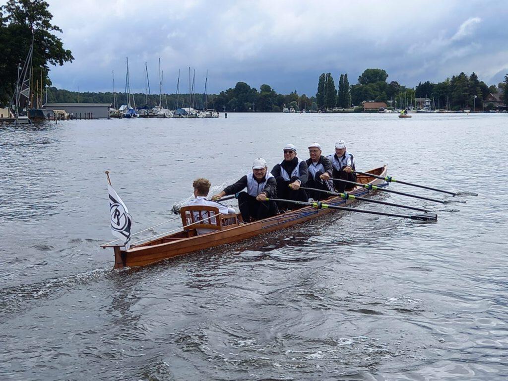 """Ausfahrt in der """"Günther Schmidt"""" zum Siebenhüner Pokalrennen"""